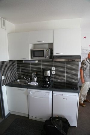 Lagrange City Aparthotel Strasbourg Wilson: Kitchen corner