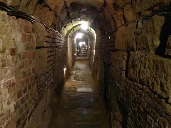 Praetorium: Roman Sewer