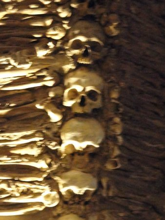 Capela dos Ossos : Detalle del revestimiento interior de la capilla