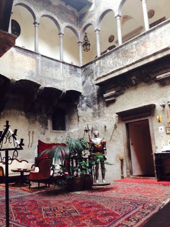 Ristorante Castel Toblino: Ingresso