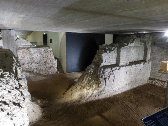 Praetorium: Preatorium Ruins showing WW2 Bomb Damage