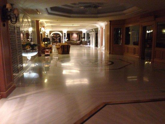Royal Olympic Hotel: Inside