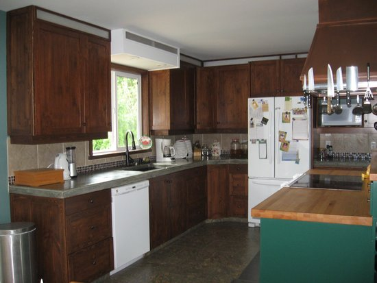 Arbour Cottage B & B : Kitchen - Newly Renovated