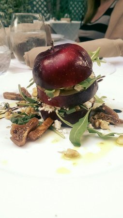Vidalia Restaurant: Stuffed Apple Salad