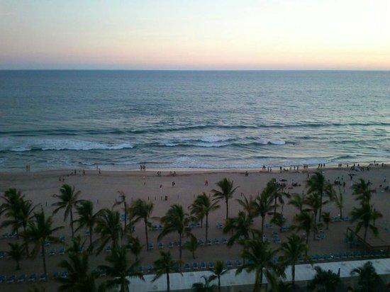 Hotel Riu Emerald Bay: Vista del cuarto piso 6