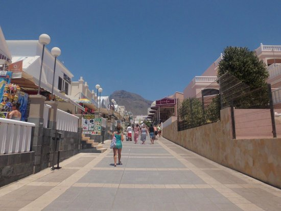 Sol Sun Beach Apartments: sol sun auf der rechten Seite