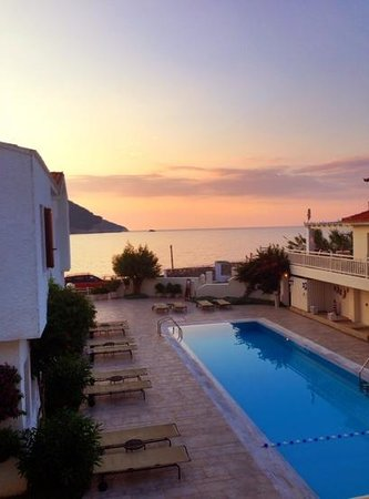 Skopelos Village: great location