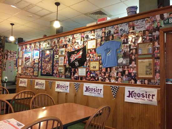 Cousin Vinny's: Pictures everywhere! Maybe someday mine too!