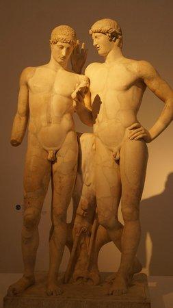 Grand Palais : statues