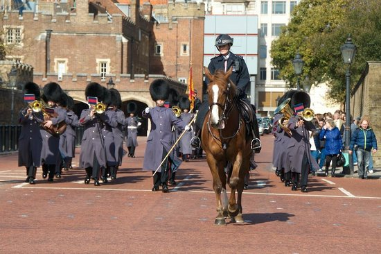 Changing of the Guard: March Begins at St. James palace