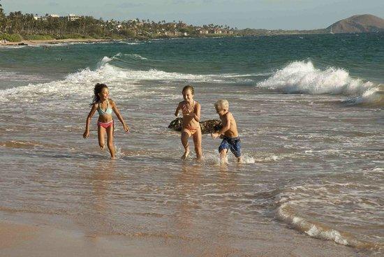 Mana Kai Maui: Keikis (Kids) on the Beach
