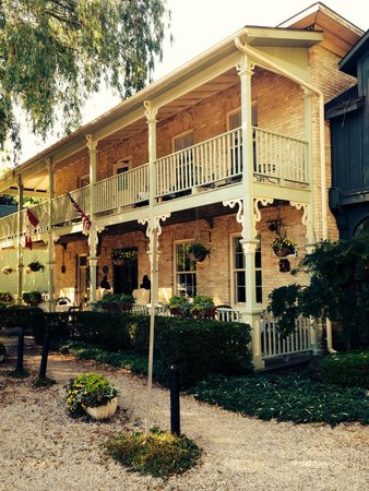 The Little Inn exterior