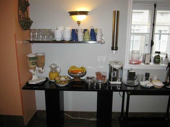 Manoir de L'Esplanade: Breakfast