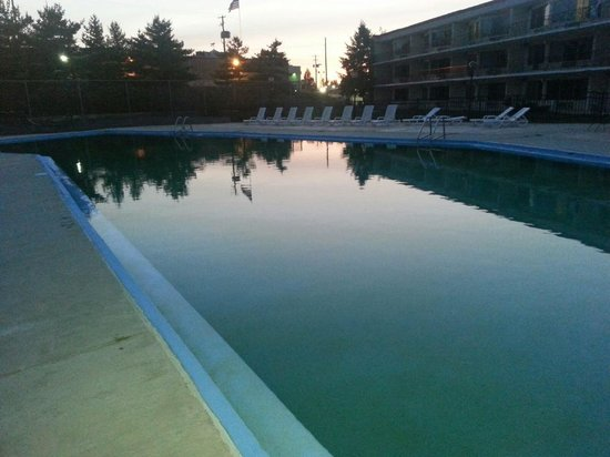 Lancaster Family Resort : What a waste