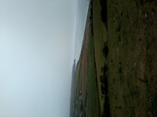 Newgale Beach: Stop on the hill and look back..Wow!