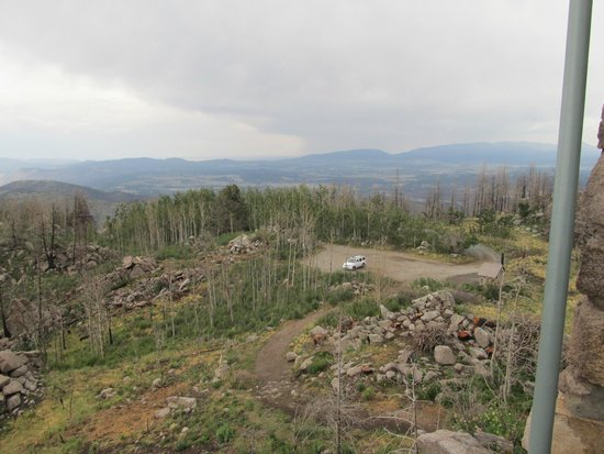 Lincoln National Forest: Parking area at Monjeau Lookout