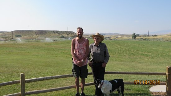 K3 Guest Ranch Bed & Breakfast: Me and the owner Jerry K. of K3 Ranch