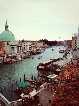 The Boscolo Hotel Bellini : vista dalla camera durante il pomeriggio