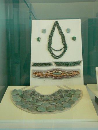 Museo Maya de Cancun: mayan jewelry
