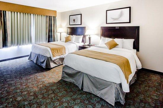 Miramar Inn: Deluxe Room with 2 Queens