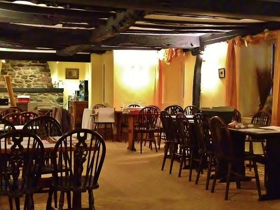 Pen-y-Bont Hotel: The Fireside Restaurant for atmospheric breakfasts and winter dining by log fires..