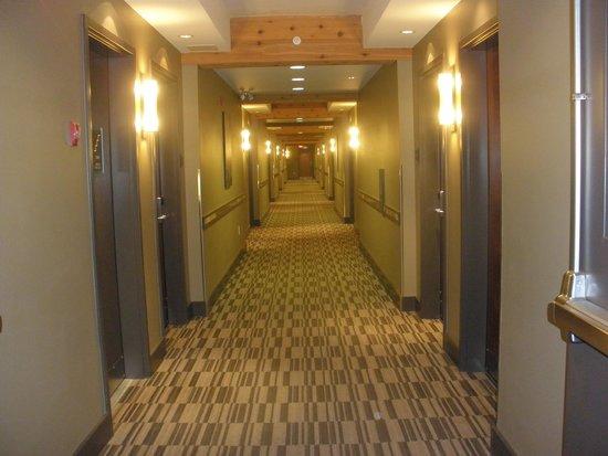 BEST WESTERN PLUS Revelstoke: Hallway
