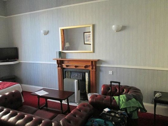 Albion Hotel: Main Lounging Area