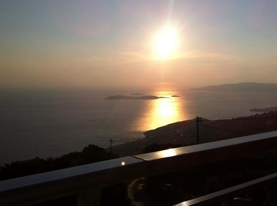 Mpalkoni tou Aigaiou: ηλιοβασίλεμα