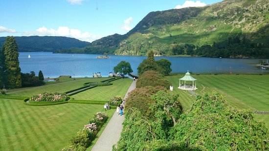Inn on the Lake: Stunning views for our wedding :)