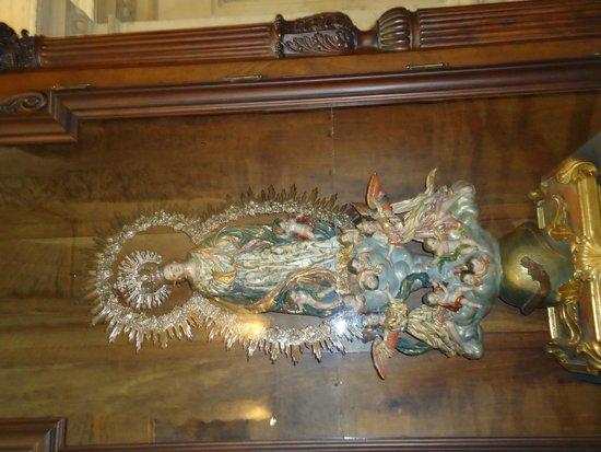 Seville Cathedral: Virgen en el museo real.