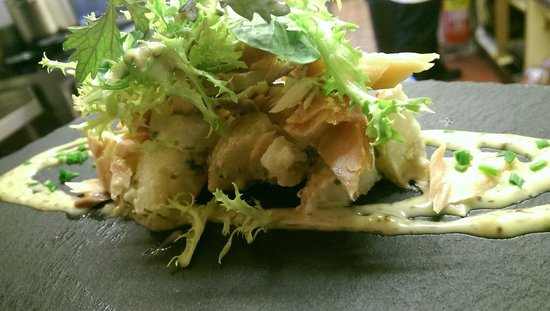 The Reformation : Hot smoked salmon, potato salad, honey, mustard and dill dressing