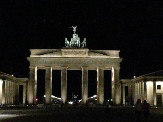 Brandenburg Gate (Bfrandenburger Tor), Berlin, Germany