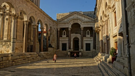 Diocletian's Rooms: Дворец