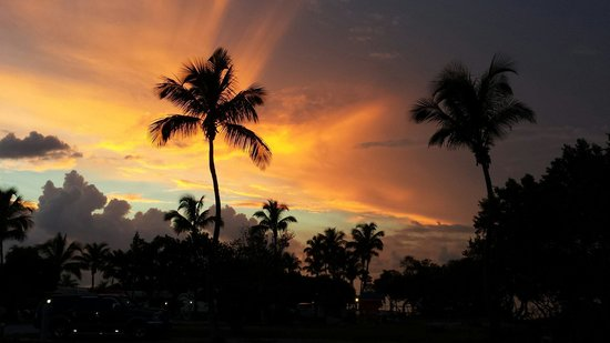 Sunshine Key RV Resort & Marina: Amazing sunsets by the beaches