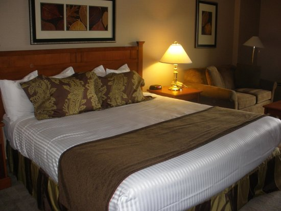 Penticton Lakeside Resort & Conference Centre : Our room