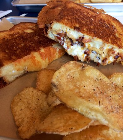 Meltz Extreme Grilled Cheese: Heaven on a tray!