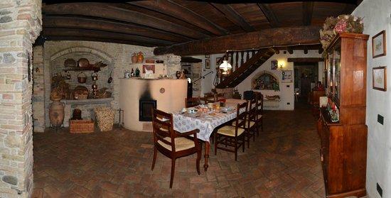 Casa Medievale del Mugnaio B&B: la salle à manger
