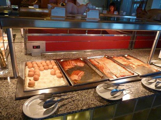 Servatur Puerto Azul : Buffet repas