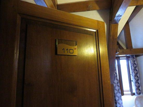 Auberge Saint-Pierre: 客室ドア