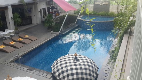 Losari Sunset Hotel : Pool view