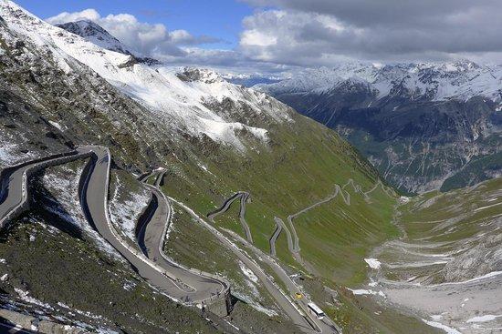 Rifugio Garibaldi Dreisprachenspitze: Stelvio Pass