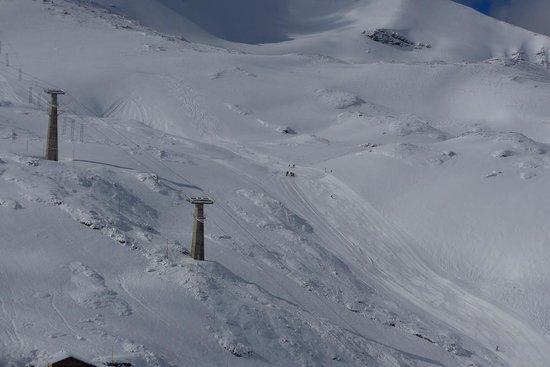 Rifugio Garibaldi: There is a nearby ski area