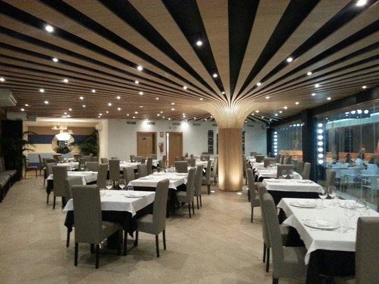 El Comedor en el restaurante las columnas. El diseño es espectacular ...