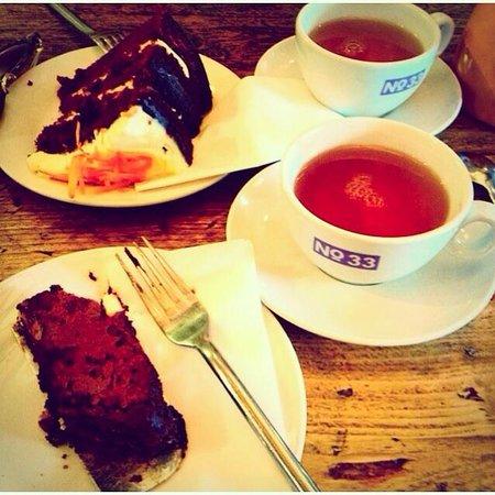 No.33 Cafe Bar: afternoon cake