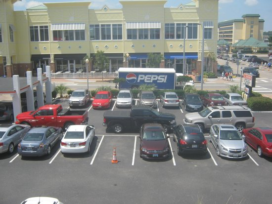 Econo Lodge on the Ocean: This is how bad parking can be