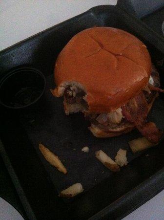 Hamburger Harrys : Sorry I already ate the fries! ;D