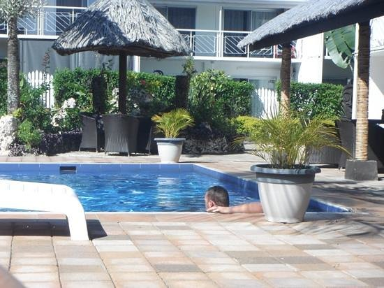 The Melanesian Port Vila: piscine de l hotel