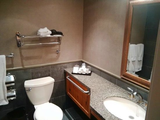 The Westin Resort & Spa, Whistler: bathroom