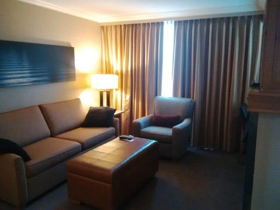 The Westin Resort & Spa, Whistler: living area (one bedroom suite)