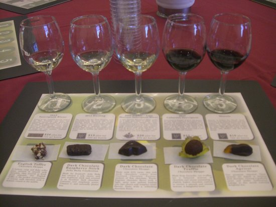 Jelly Belly Factory Tour: Wine and food tasting. Highly recomended.